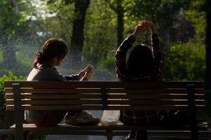 bench-chilling-friends-798