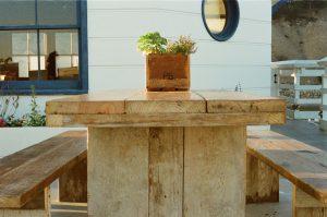 bench-flowerpot-seat-2562