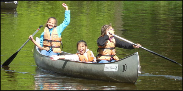canoeing-on-wi-river_opt_600px